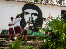 schoolboys with image of Che